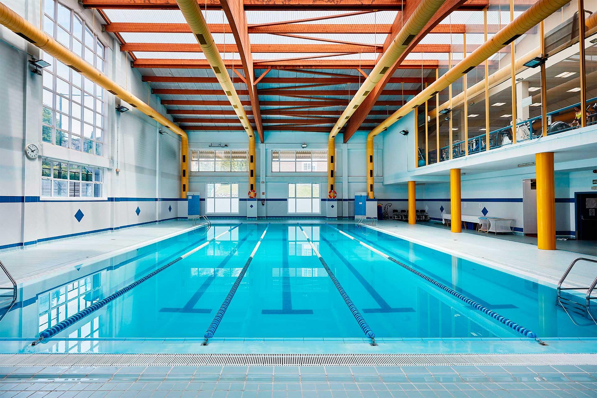Residencia Universitaria Rialta - piscina